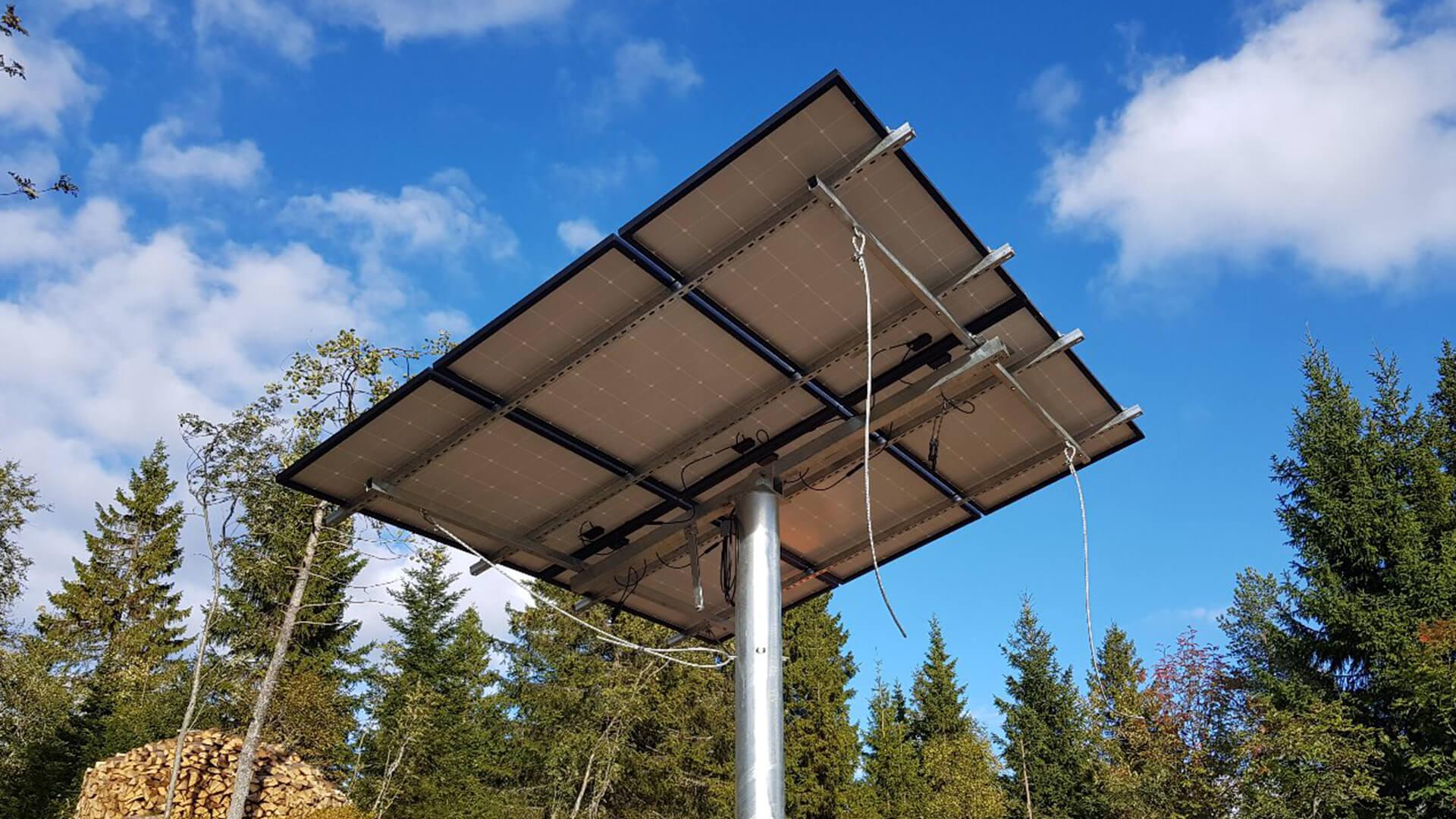 Solcellepanel for Fuglemyrhytta